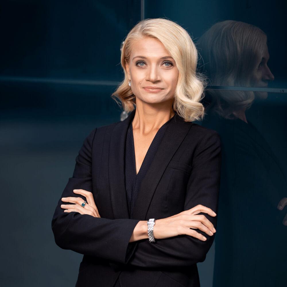 Aneta Kocemba, finance